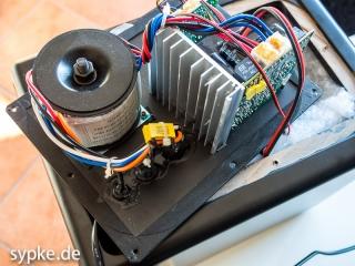 Aktiver Studiomonitor IMG Stage Line SOUND-65/SW Endstufe, Ringkerntrafo und PCB